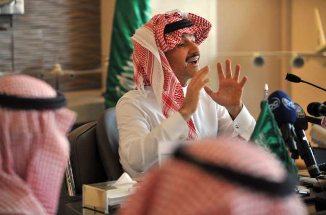 Saudi Prince Alwaleed bin Talal holds a press conference in Riyadh on August 2, 2011 to unveil plans about the world's tallest tower to be built in the Red Sea city of Jeddah.