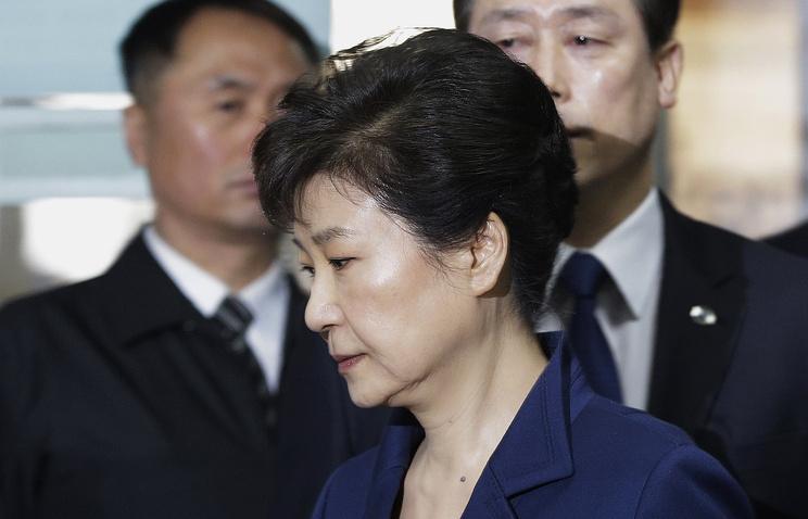 Пак Кын Хе перед заседанием суда в Сеуле, март 2017 года