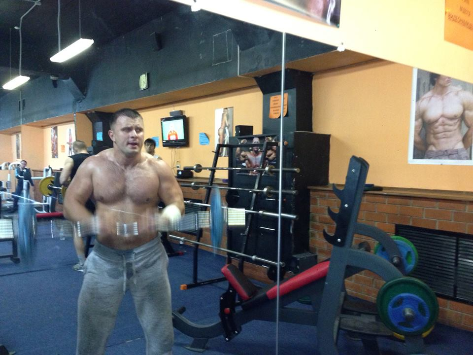 Профессиональный боец и спортсмен Александр Арсенов.
