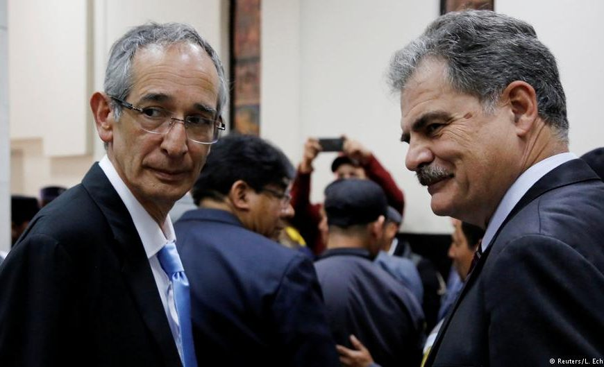 Juan Alberto Fuentes Knight (right), the most recent chairman of the international charity Oxfam, and Alvaro Colom (left), Guatemala's president from 2008-2012.