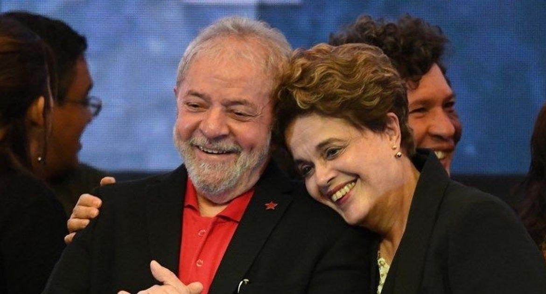 Осуждённого за коррупцию экс-президента Бразилии Лулу обнимает бывшая глава государства Дилма Русеф