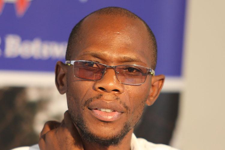 Ботсванский журналист Джоэль Конопо