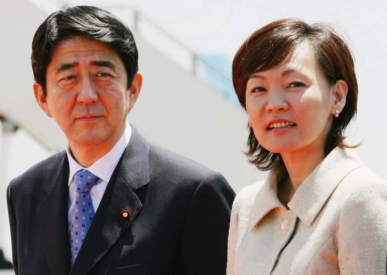Премьер-министр Японии СИндзо Абэ и его жена Акиэ Абэ