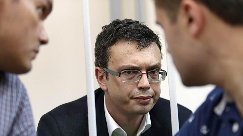 о взятках в СКР, полковник Максименко, Денис Никандров, коррупция, СКР, противодействие коррупции