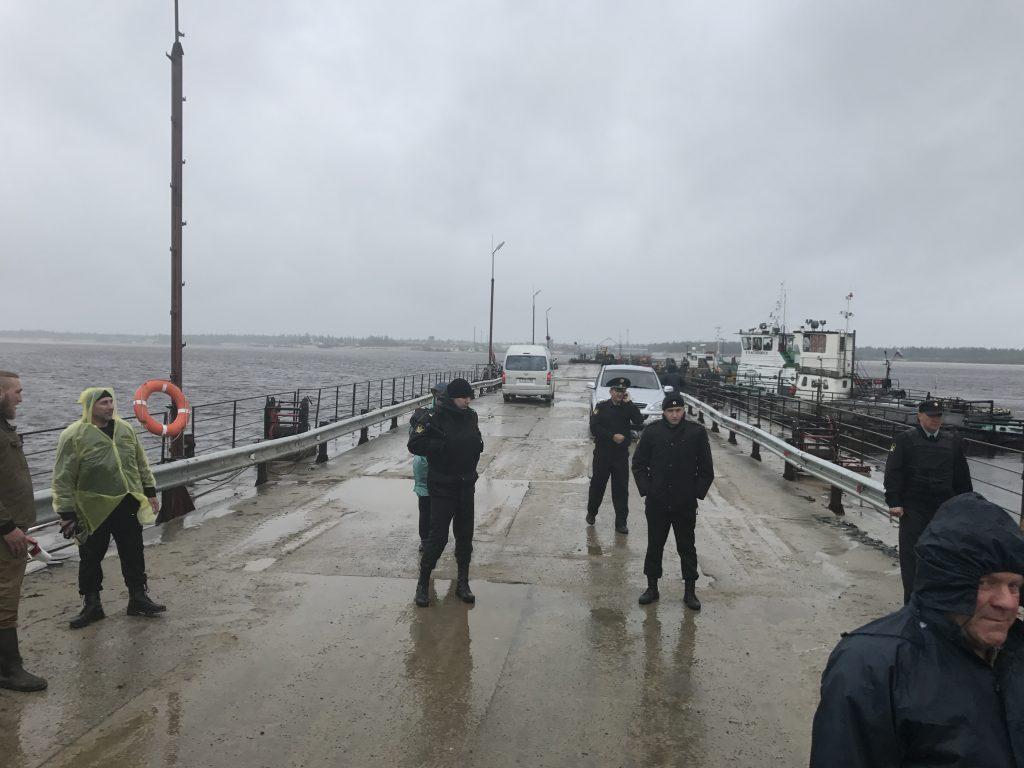 Наплавной мост в ЯНАО демонтировали и незаконно арестовали