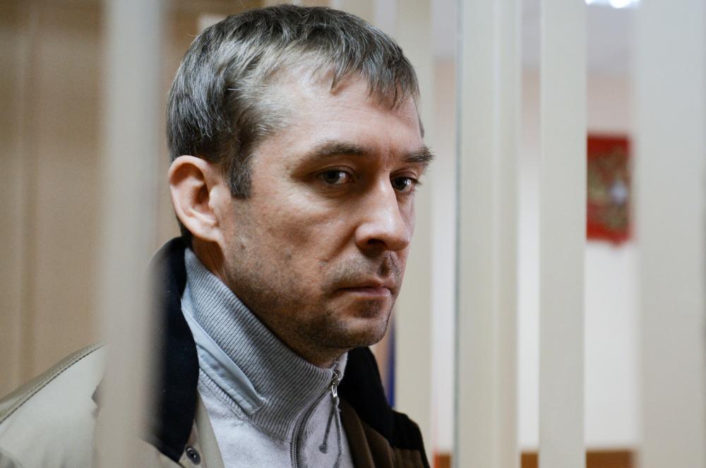 Официальный представитель Генпрокуратуры Александр Куренной заявил, что ведомство подготовило очередной иск к бывшему полковнику МВД Дмитрию Захарченко.